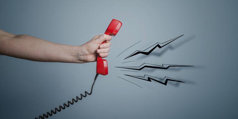 もうクレーム電話で困らない!対応法のヒント5つをご紹介
