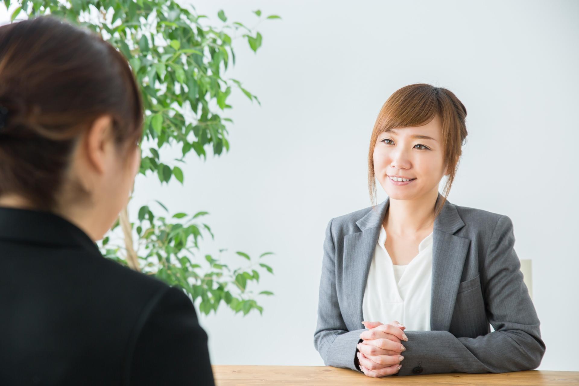 コールセンターの求人面接で、長所と短所を良い印象で伝える方法とは