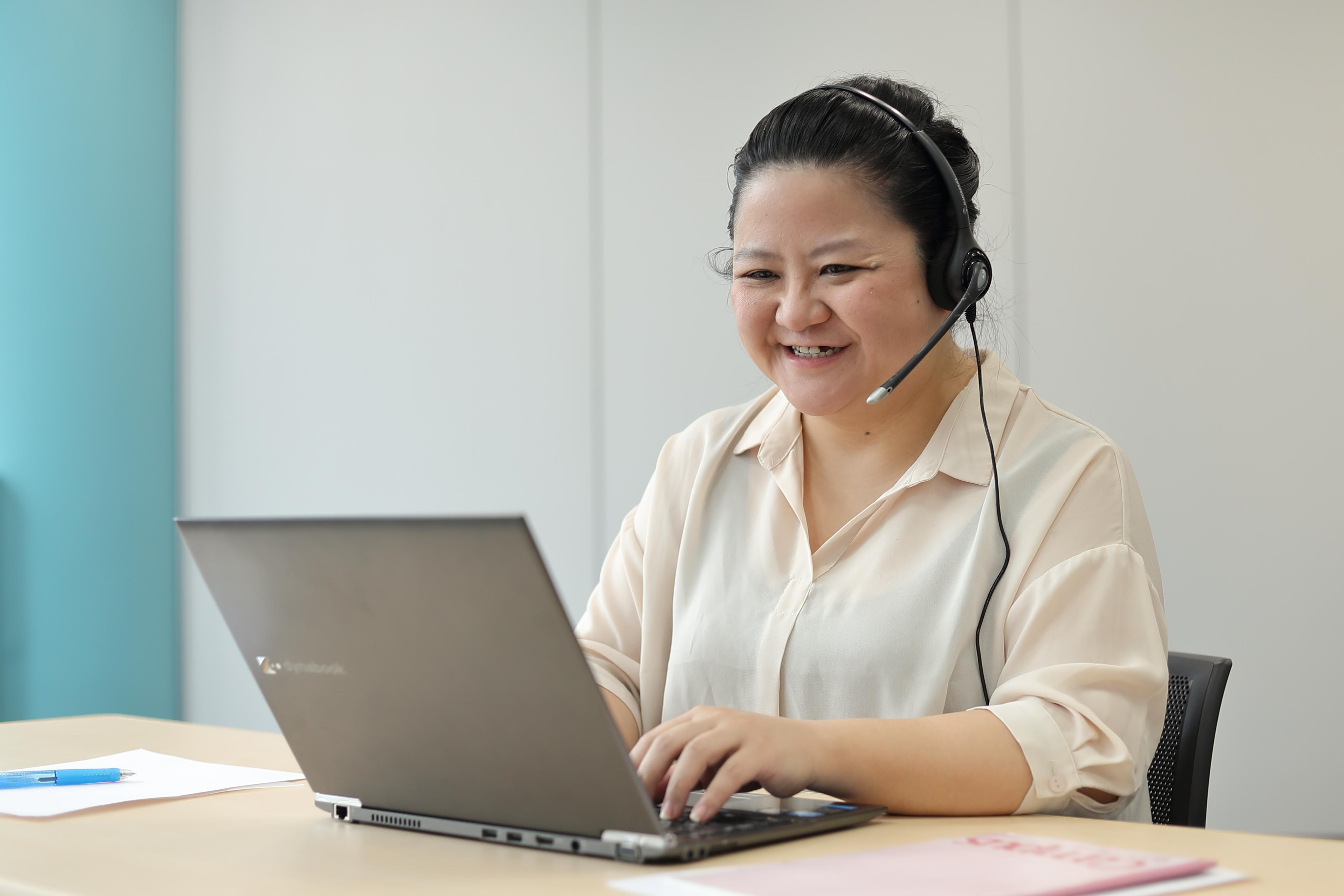 週4可 国内大手生保コールセンターのご契約者様対応 受信