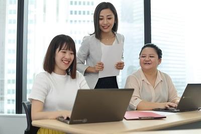 限定正社員 コールセンター業務に関するレポート・データ分析等