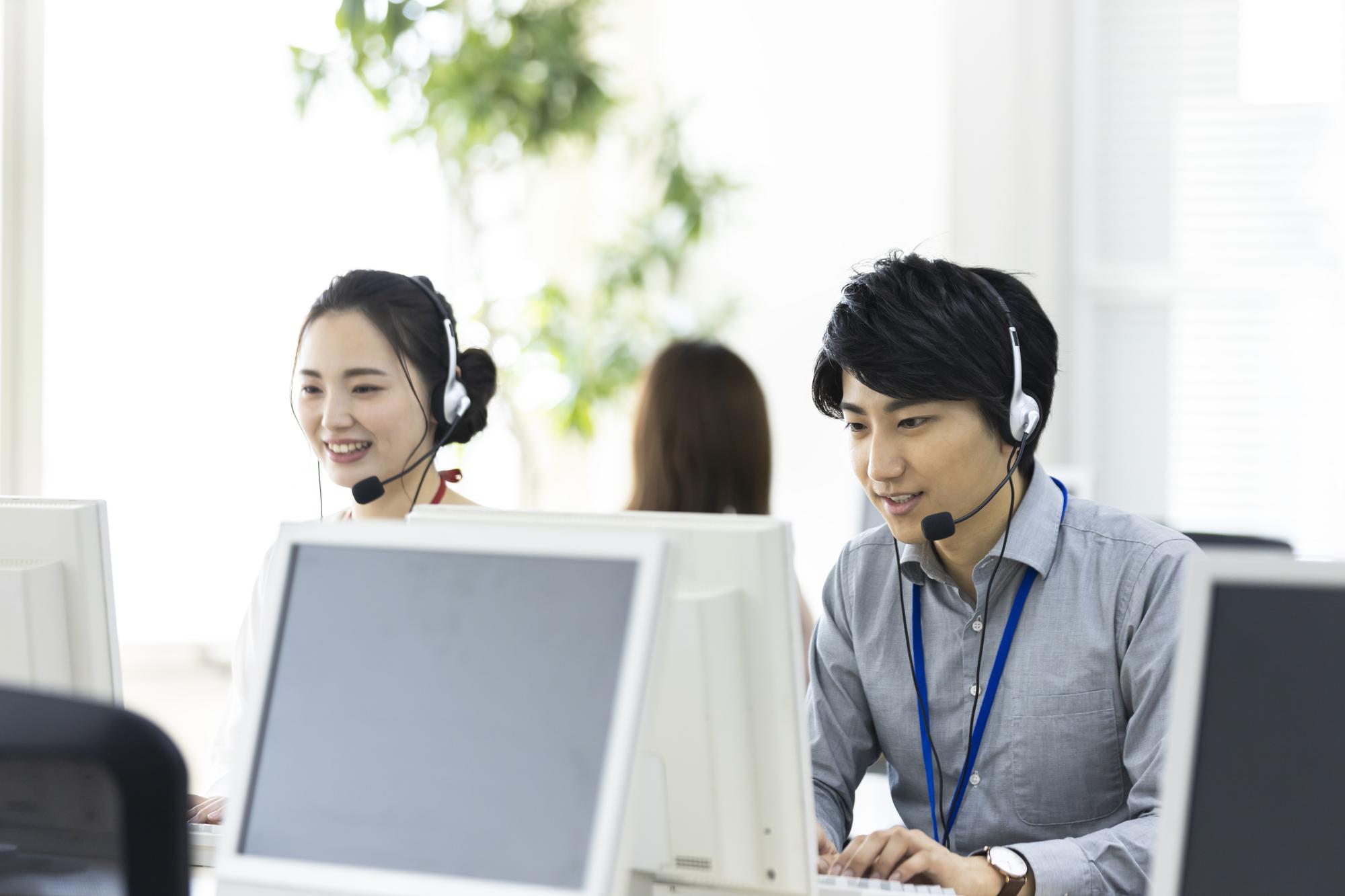 クレジットカードに関する加盟店へのサポート・オーソリ業務